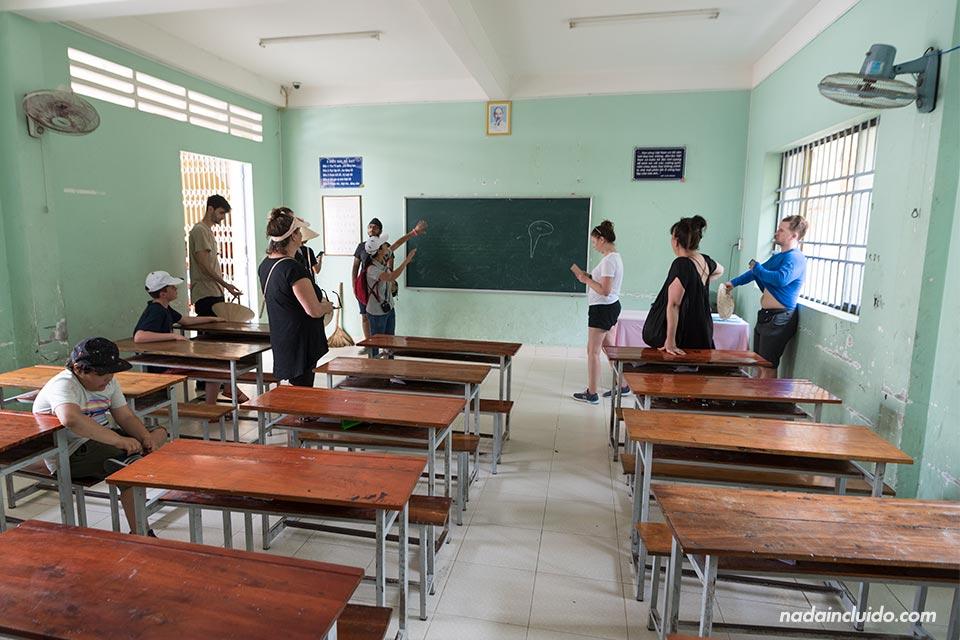 Clase de un orfanato situado en la zona del Delta del Mekong (Vietnam)