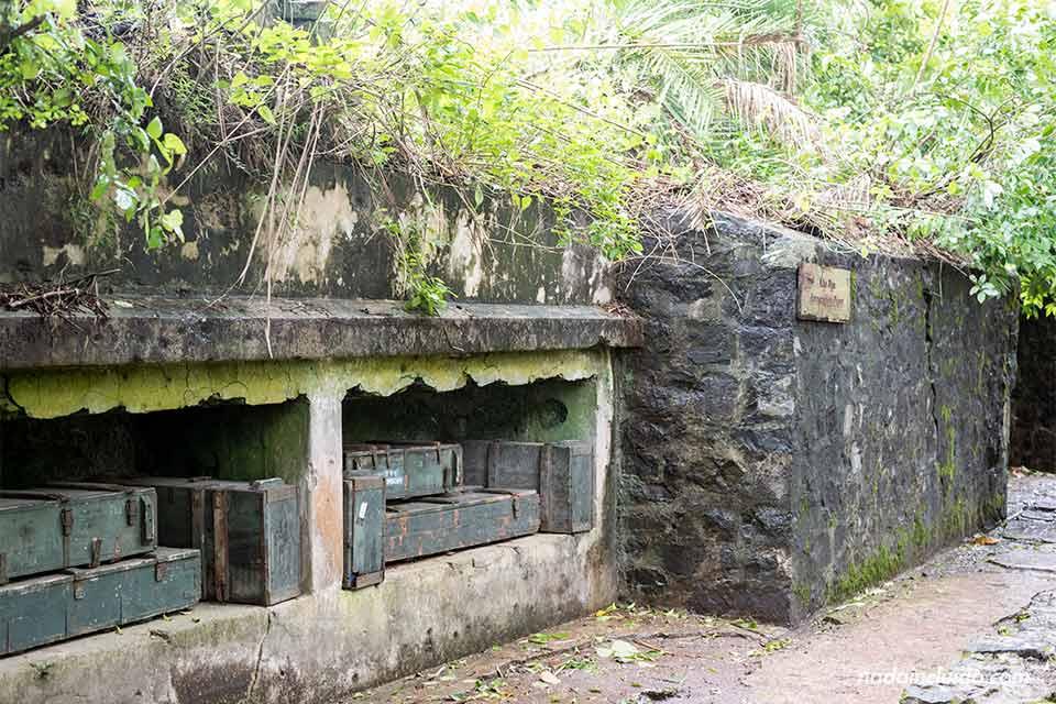 Arsenal en el Fuerte Cañón de la isla de Cat Ba (Vietnam)