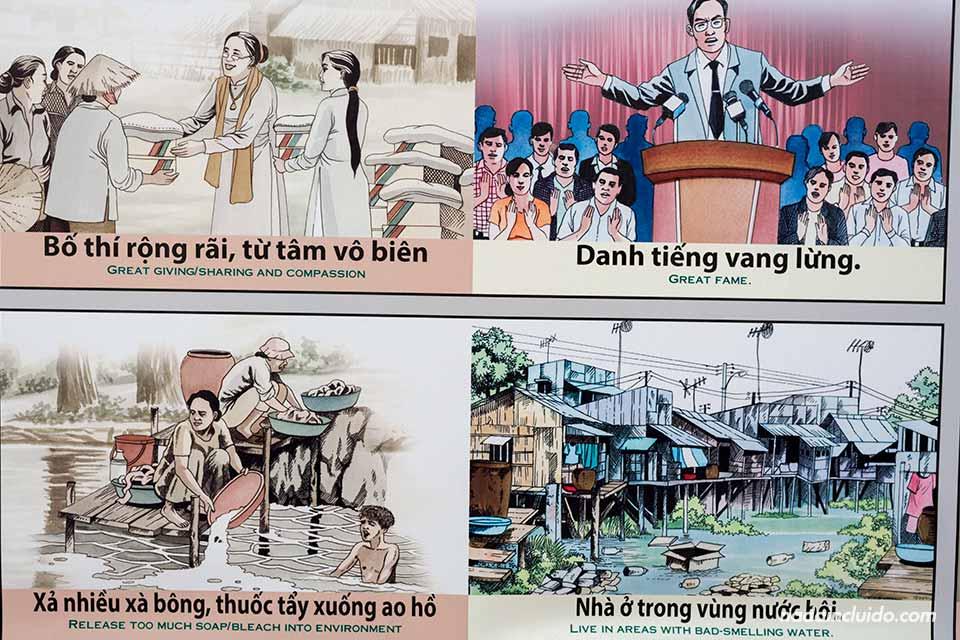 Tablas de karma en un colegio de la provincia de Long An, junto al delta del Mekong (Vietnam)