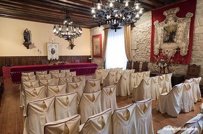 Salón de actos en la cofradía de Santo Domingo de la Calzada (Rioja, España)