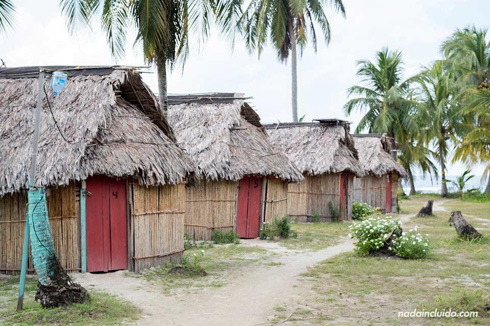 Cabinas Niadub en Isla Diablo, en el archipiélago de San Blas (Panamá)