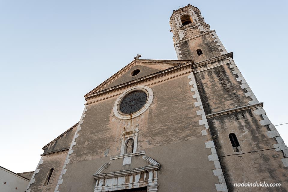 Fachada de la parroquia de Santa María de Vilanova i la Geltrú