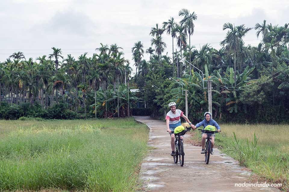 Ruta en bicicleta por los campos de Hoi An (Vietnam)