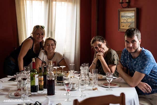 Comiendo en el Hotel Restaurante Arnal, en Escalona (Sobrarbe, Aragón)