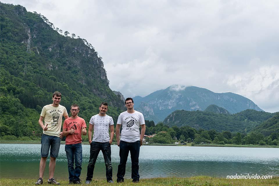 En el lago Boracko Jezero (Bosnia)