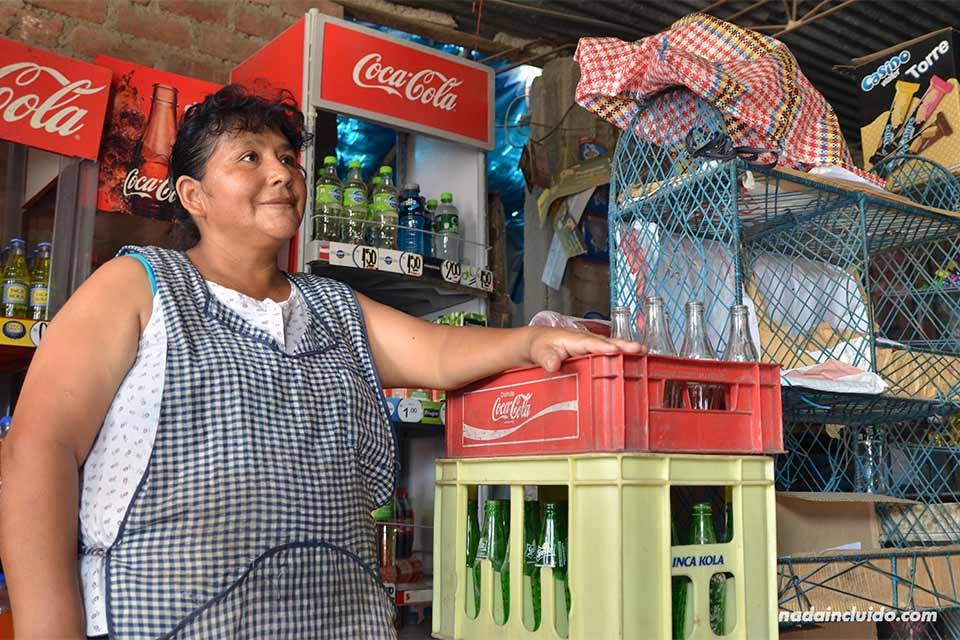 Tienda en Jicamarca, un barrio pobre a las afueras de Lima (Perú)