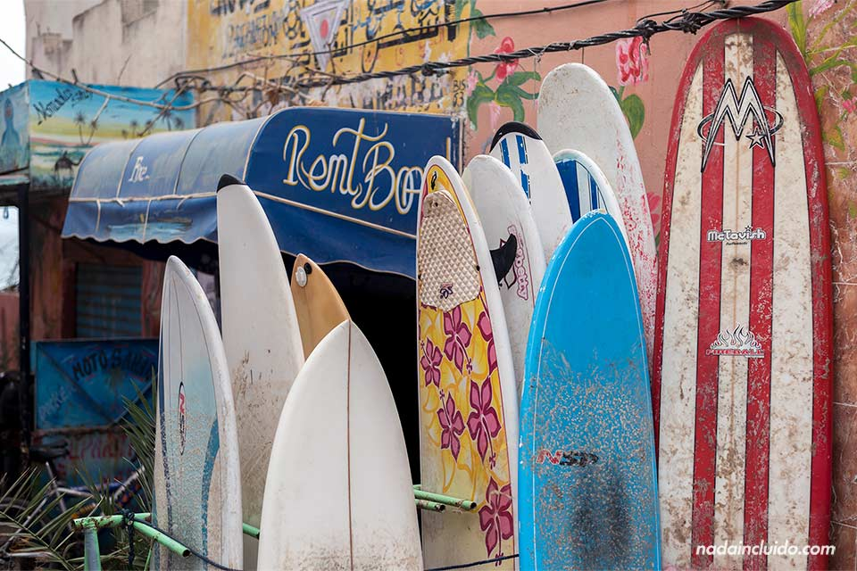 Tablas de surf en una tienda de Taghazout (Marruecos)