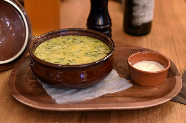Sopa en el restaurante Zama (Cluj-Napoca, Rumanía)