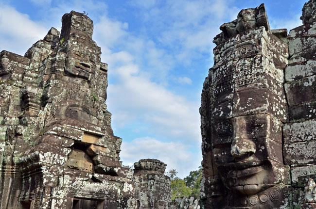 Caras sonrientes esculpidas en Bayon, Angkor Thom (Siem Reap, Camboya)