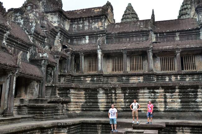 En el interior del Angkor Wat (Siem Reap, Camboya)