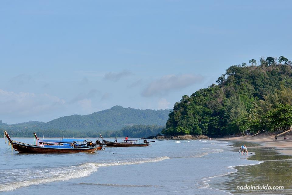 Paseando por la playa de Ao Nang (Tailandia)