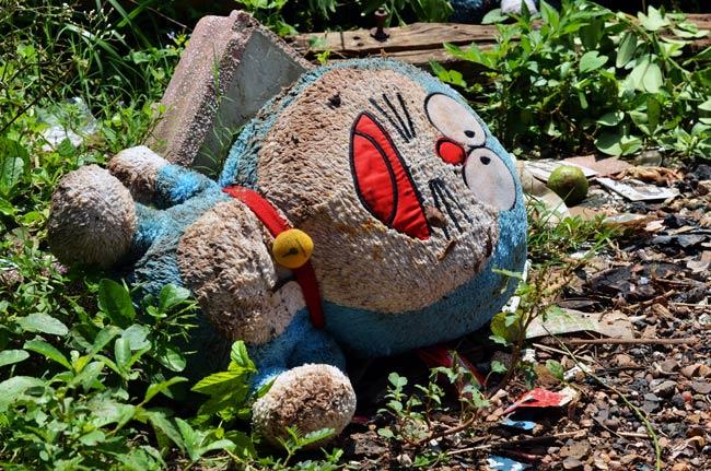 Peluche de Doraemon en Aranyaprathet (Tailandia)