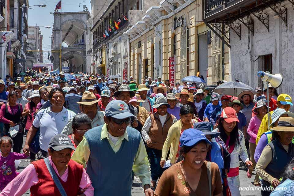 Arequipa,-Plaza-de-las-armas,-acto-oficial,-manifestación-(II)