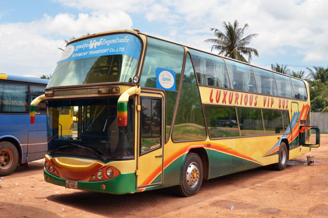 """El """"lujoso"""" autobús que nos llevó de Siem Reap a Phnom Penh (Camboya)"""