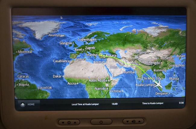 La ruta Estambul (Turquía) - Kuala Lumpur (Malasia) en la pantalla de un avión de Turkish Airlines