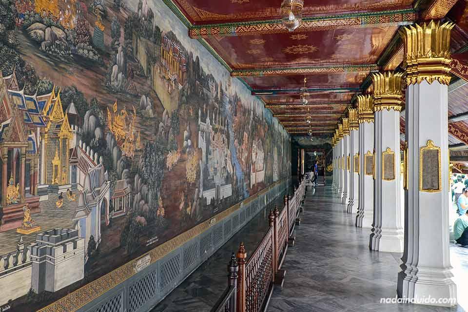 Pero como tampoco os quiero aturrullar con nombres imposibles, deciros que en resumen el Gran Palacio (Tailandia)