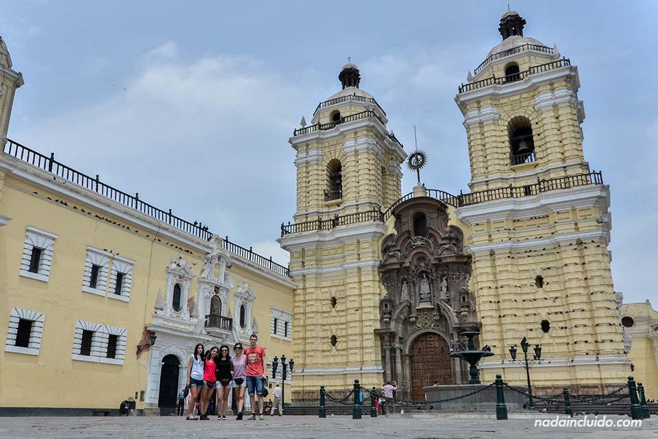 Lima.-Iglesia-de-San-Francisco-(todos)