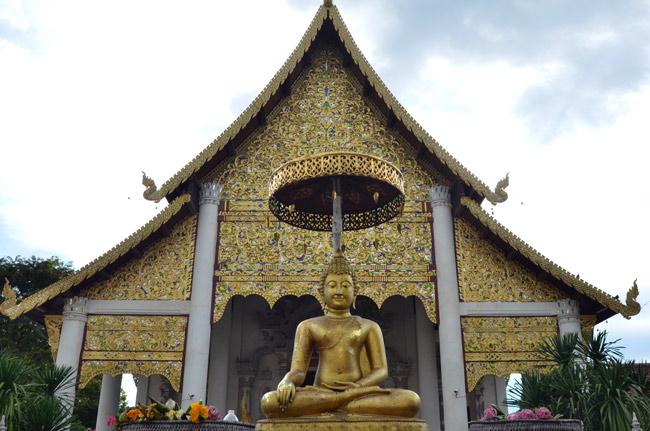 Exterior Wat Chedlin en Chiang Mai (Tailandia)