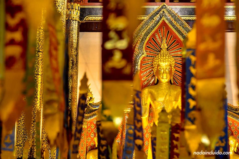 Detalle de buda en el templo Templo Wat Chedlin de Chiang Mai
