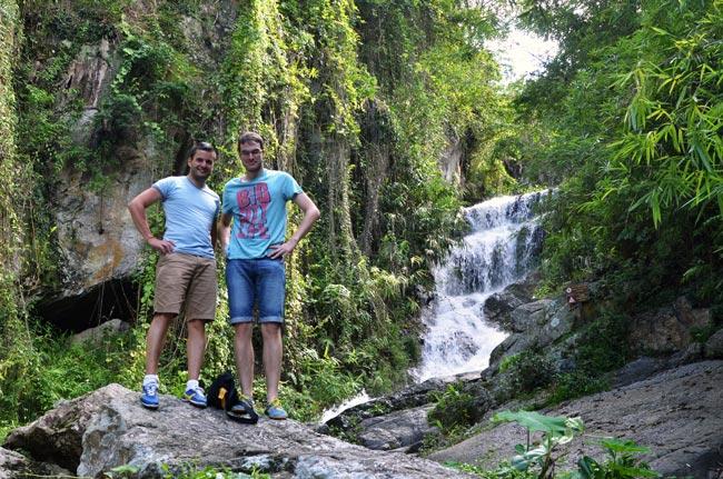 En una cascada en los alrededores de Chiang Mai (Tailandia)