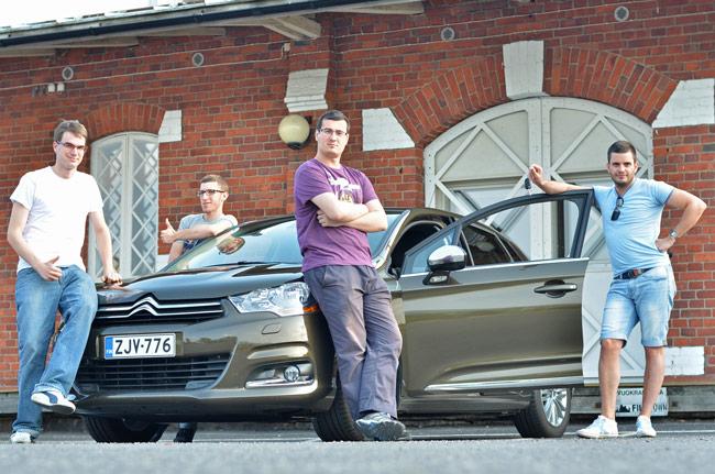 Recogiendo nuestro coche de alquiler en Turku (Finlandia)