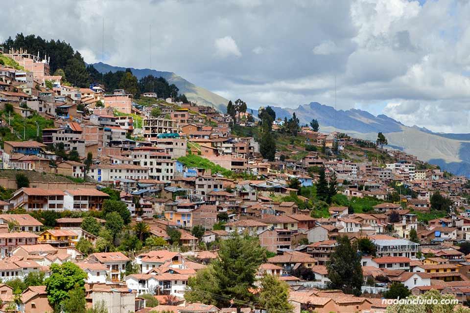 Vistas desde la parte alta de Cuzco (Perú)