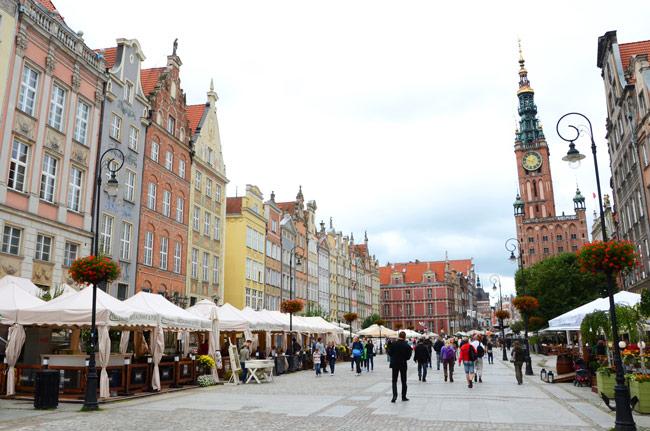 Calle Dlugi, una de las calles principales de Gdansk (Polonia)