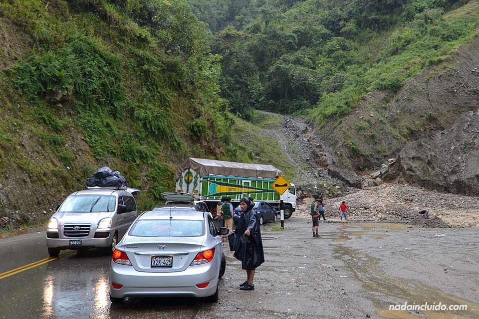 Derrumbe carretera Santa María - Cuzco