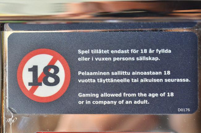 Edad permitida para jugar en Máquina tragaperras en el ferry que lleva de Turku (Finlandia) a Estocolmo (Suecia)