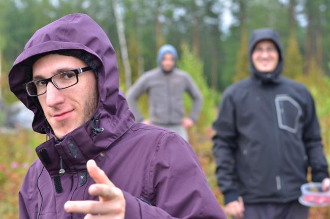 Cogiendo moras en un bosque de Petalax (Finlandia)