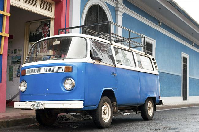 Furgoneta en las calles Granada (Nicaragua)