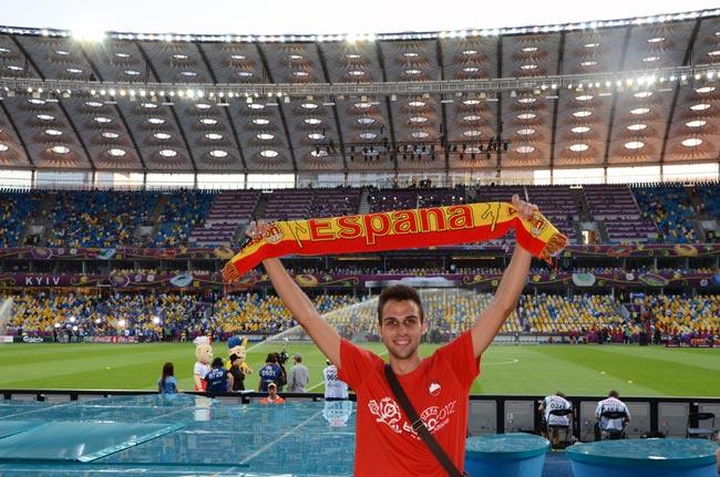 Aficionado español en estadio olímpico de Kiev el día de la final del Eurocopa 2012 (Ucrania)