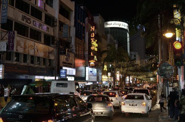 Calle Bukit Bitang de noche, Kuala Lumpur (Malasia)