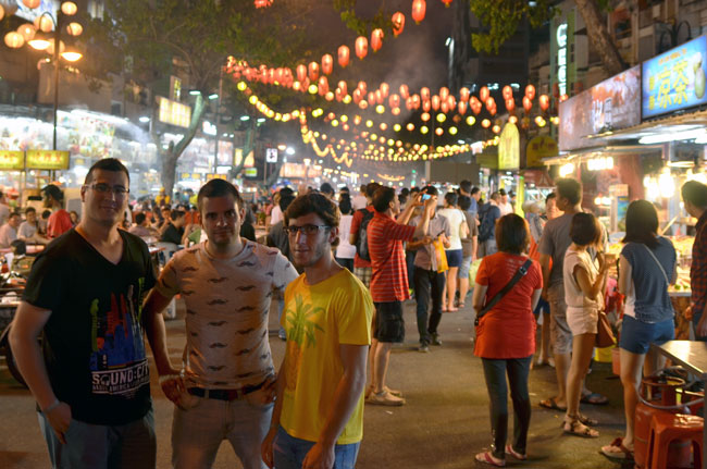 Calle Jalan Alor en Kuala Lumpur (Malasia)