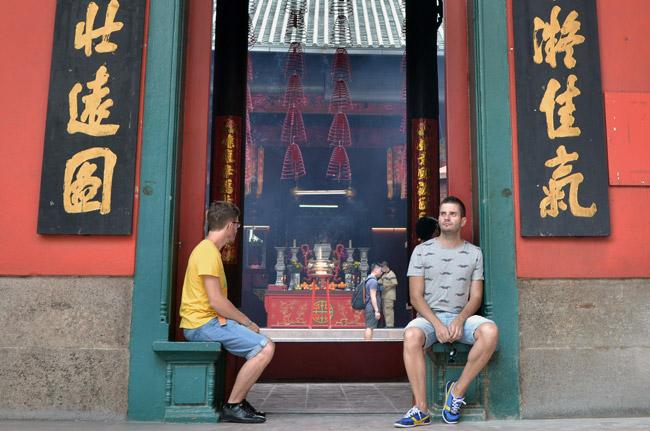 Entrada al Guan Di Temple, templo chino en Kuala Lumpur (Malasia)
