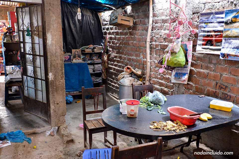 Lima,-Huachipa,-casa-1,-salón-(I)