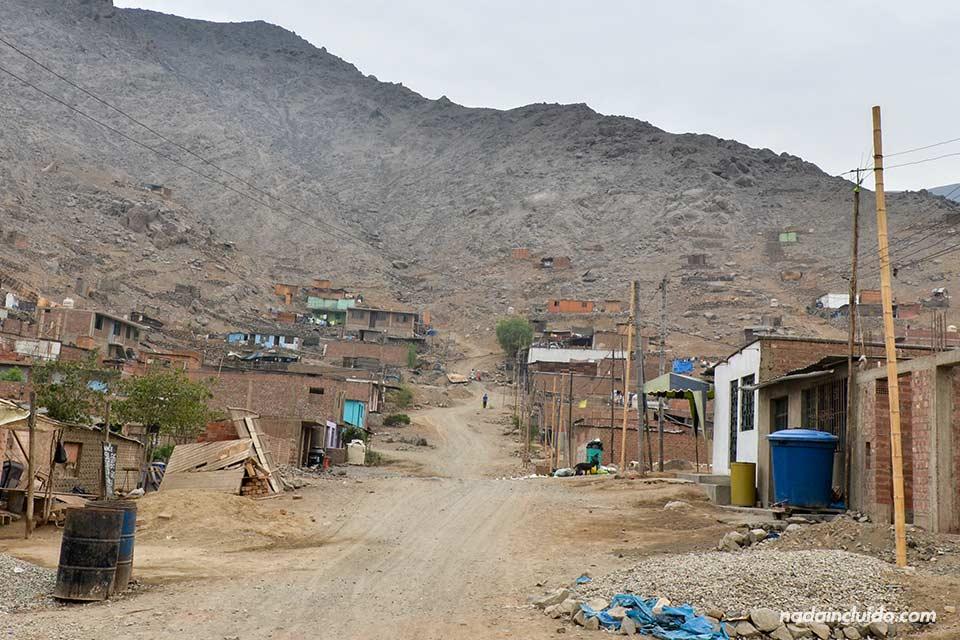 Lima, Jicamarca, calle