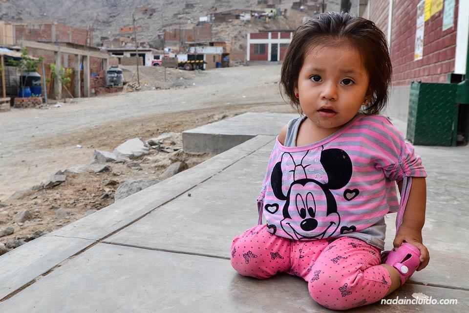 Lima, Jicamarca, niña