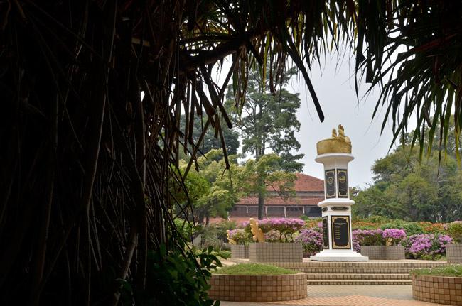 Fuente en los jardines del Istana Kesultanan (Malaca, Malasia)