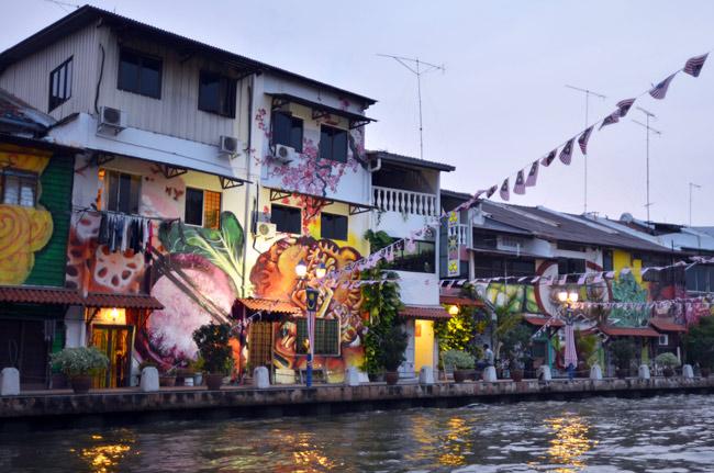 Paseando por la ribera del río de Malaca (Malasia)