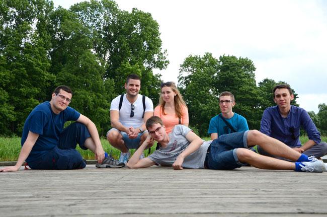 Turistas en los lagos de Olsztyn, en Polonia