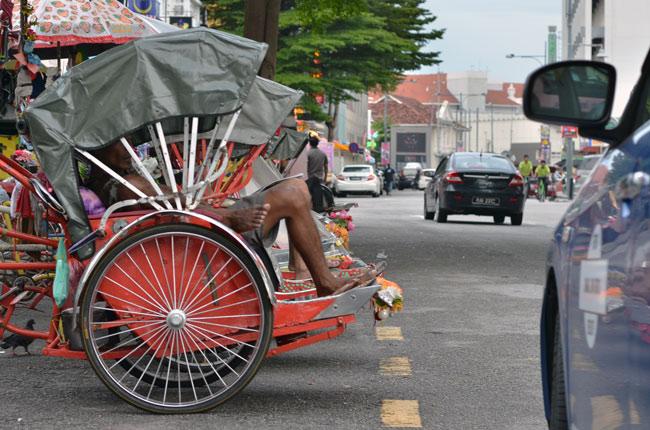 Tuk Tuks esperando en Georgetown (Penang, Malasia)