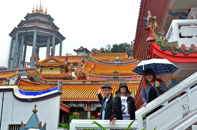 En un patio interior del Kek Lok Si Temple (Penang, Malasia)