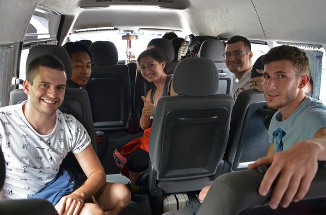 Viaje en minivan desde Penang (Malasia) a Krabi (Tailandia)
