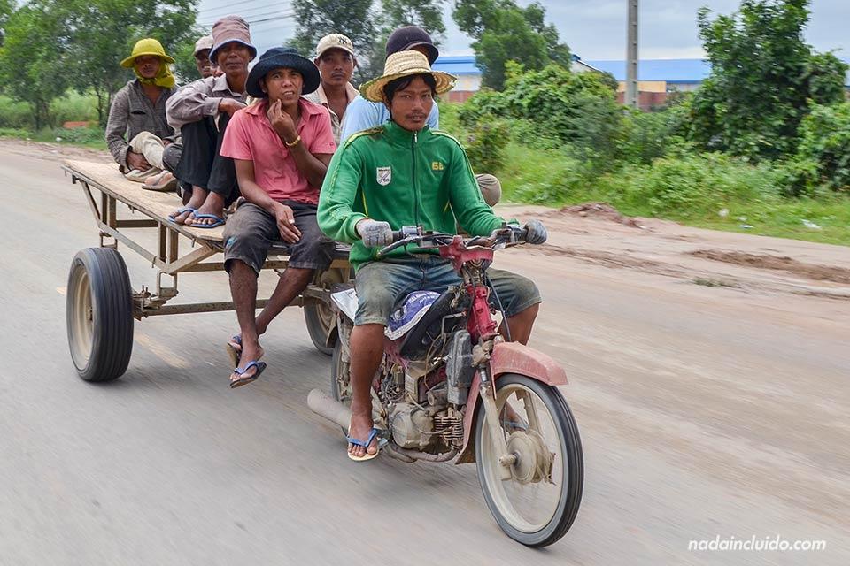 Motocarro en Phnom Penh, capital de Camboya