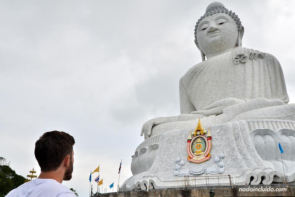 Frente al Big Buddha, en Phuket (Tailandia)