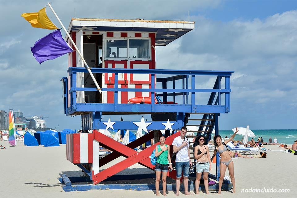 Caseta de vigilante de la playa en Miami (Estados Unidos)