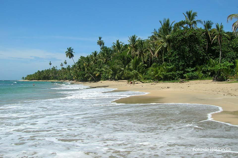 Punta Uva, una de las playas de Costa Rica (foto de Wikipedia)