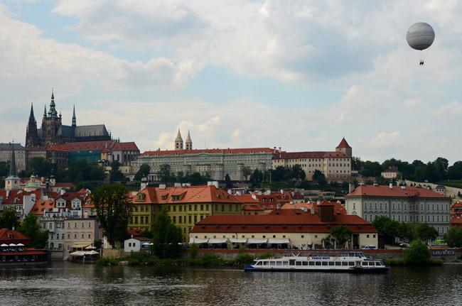 Vistas desde el Puente Carlos, en Praga (República Checa)