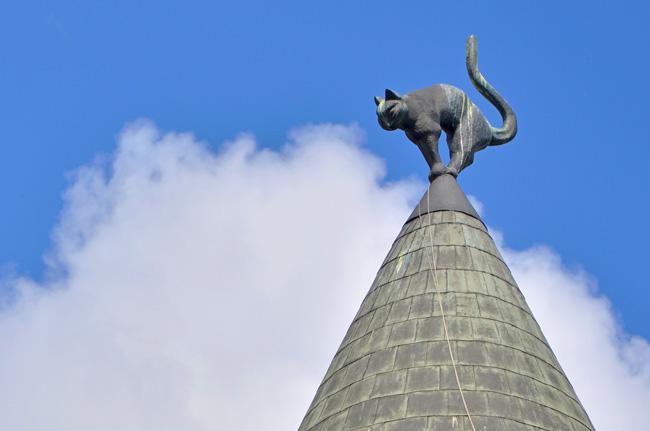 Detalle en el tejado de la casa de los gatos (Kaku nams), Riga (Letonia)